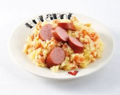 Hutspot | Heerlijke oer-Hollandse producten van Unox! Dutch Recipes, Holland, Oatmeal, Good Food, Dinner, Breakfast, Dutch Food, Big Family, Table