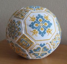 Blue and Yellow Quaker's Ball • 1/4 Example if a finished Ball