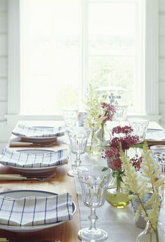 sweet summer table