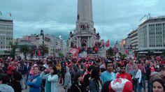 Benfica campeão: Adeptos no Marquês de Pombal