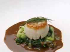 Sea Scallops over Leeks with Mango Curry Chutney Sauce recipe from Robert Irvine via Food Network