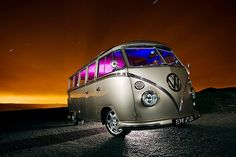 Sweet bus but I don't like the rims. Volkswagen Group, Volkswagen Transporter, Vw T1, Vw Caravan, Vw Camper, My Dream Car, Dream Cars, Vw Samba Bus, Vw Emblem