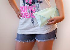 """Small mint clutch  Handtasche """"Minna"""" mit Knopf von Stoff Schere Papier auf DaWanda.com"""