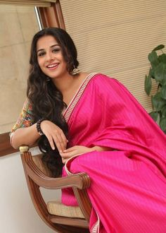 vidya balan saree new actress pics