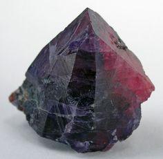 Sapphire/Ruby crystal 138 carats / Tanzania.