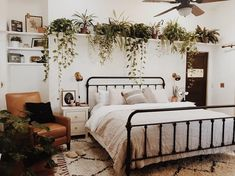 20 Neutral Bedroom Design and Decor Ideas to Add Simplicity and Charm to Your Bedroom - The Trending House Room Design, Bedroom Decor, Apartment Decor, Home, Farm House Living Room, Bedroom Design, Modern Bedroom, Home Decor, Living Room Designs