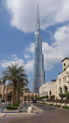 Dubai Vacation, Dubai Travel, Dream Vacations, Disney World Hotels, City Aesthetic, Travel Aesthetic, Places Around The World, Around The Worlds, Dubai Nightlife