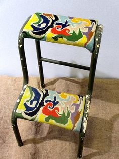 blog aef21 Recycled Art, Folding Chair, Fiber Art, Needlepoint, Painted Furniture, Needlework, Upholstery, Recycling, Objects
