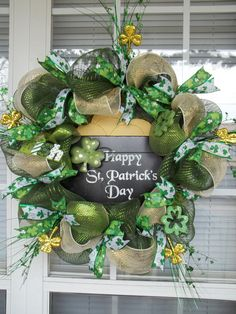 This festive St. Patricks Day design is done in shimmering dark green, moss green and gold deco-mesh, trimmed in yards and yards of wired St Patricks Day Crafts For Kids, St Patrick's Day Crafts, Happy St Patricks Day, Saint Patricks, Holiday Wreaths, Holiday Crafts, Holiday Decor, Deco Mesh Wreaths, Door Wreaths
