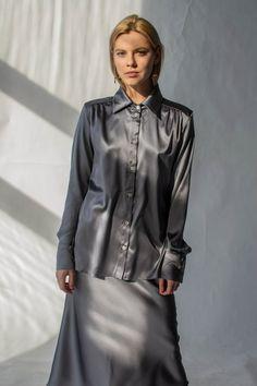 7a6a3848e7c45d Women silk shirt in silver Grey silk blouse Long sleeve blouse Womens button  down shirt Office silk shirt Silk clothing Silk basics Silk top