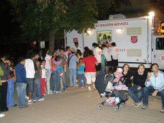 Die Heilsarmee in Chile im Hilfseinsatz mit einer mobilen Kantine nach einem Erdbeben der Stärke 8,8 im Jahr 2010.