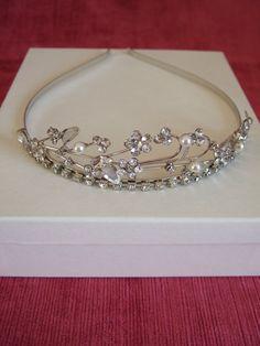 Silver Crystal Flower and Freshwater Pearl Tiara. / Head dress / Bridal Tiara / Wedding Tiara / Bridesmaid Tiara / Maid of Honour Tiara