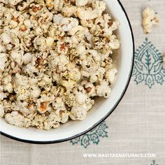Nori Popcorn - this unique combination of sweet and salty flavors from our Nori Powder and Coconut Sugar will have you wanting more of this tasty snack. ingredients 2 tsp Navitas Naturals Nori Powder 1 tsp Navitas Naturals Coconut Sugar 1 Tbsp Coconut Oil ¼ cup organic Popcorn Kernels ¼ tsp Sea Salt #vegan #vegetalien #gf