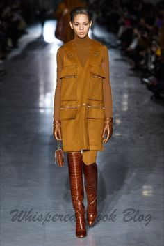 Max Mara Fall 2019 Ready-to-Wear Fashion Show - Vogue Fashion Photo, Love Fashion, Fashion Design, Fashion 2020, Runway Fashion, Milan Fashion, Fashion Weeks, Moda Outfits, Casual Chique