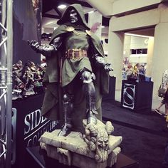 Doctor Doom Legendary Scale Figure #sdcc #sideshowcollectibles