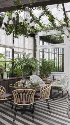 Outdoor Restaurant Design, Architecture Restaurant, Deco Restaurant, Restaurant Seating, Restaurant Furniture, Sunday Restaurant, Eclectic Restaurant, Café Design, Paris Design