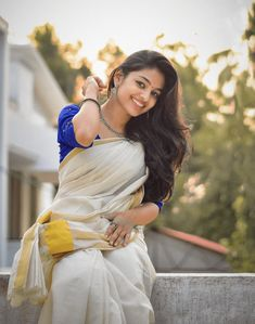 Actress Ivana Beautiful Stills - Social News XYZ Beautiful Girl Photo, Cute Girl Photo, Beautiful Girl Indian, Most Beautiful Indian Actress, Girl Photo Poses, Girl Poses, Beautiful Saree, Simply Beautiful, Indian Photoshoot
