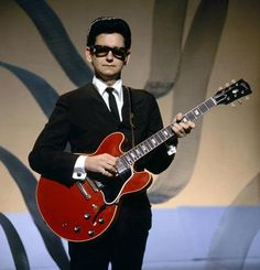 Listen to music from Roy Orbison like Oh, Pretty Woman, You Got It & more. Find the latest tracks, albums, and images from Roy Orbison. Roy Orbison, Richard Gere, Tom Petty, I Love Music, Kinds Of Music, George Harrison, Julia Roberts, Pretty Woman, Bob Dylan