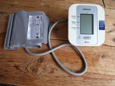#VERKOCHT #SOLD #bovenarm #bloeddrukmeter #Omron #M3 #Intellisense  #gebruikt