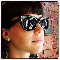 Ocean s Catch of the Day Kirsten is looking spec-tacular in Kolus by Oliver Goldsmith
