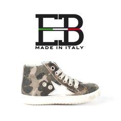 EB SHOES vi offre una vasta gamma di modelli realizzati artigianalmente e caratterizzati da una struttura affidabile. E' importante infatti avere calzature affidabili per la salute del piede del bimbo! Nella scelta inoltre ricordate sempre di acquistare calzature che siano 12 mm più lunghe del piede! Oggi vi proponiamo questo modello #camouflage!!!