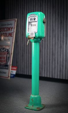 ECO AIR FILLING STATION AIR METER PEDESTAL. GREAT PIECE TO GIVE AS A GIFT OR ADD TO A COLLECTION.THIS PIECE HAS A GOOD BODY. GREAT PROJECT IF YOUR LOOKING FOR ONE. IT HAS ALL THE INSIDES AND THE NUMBERS TURN.