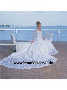 Langarm Brautkleid mit Schleppe www.brautkleider-1.de