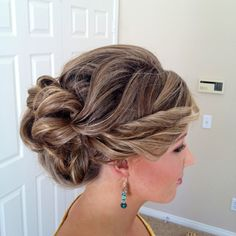 bridesmaid updo-but less twisty on the side Wedding Hair And Makeup, Bridal Hair, Hair Makeup, Bridesmaid Hair, Prom Hair, Bridesmaids, Fancy Hairstyles, Wedding Hairstyles, Pelo Formal