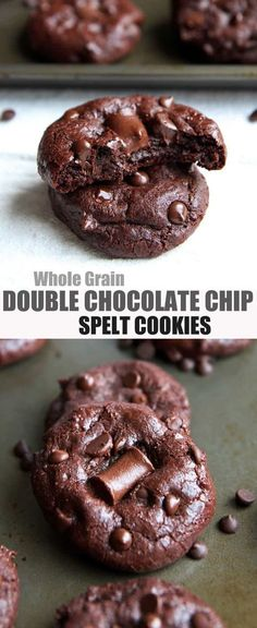 Use Coconut Oil - Double Chocolate Chip Cookies with Spelt Flour - no refined sugar - 9 Reasons to Use Coconut Oil Daily Coconut Oil Will Set You Free — and Improve Your Health!Coconut Oil Fuels Your Metabolism! Healthy Cookies, Healthy Sweets, Healthy Baking, Coconut Cookies, Chocolate Slim, Healthy Chocolate, Coconut Chocolate, Chocolate Chips, Chocolate Muffins