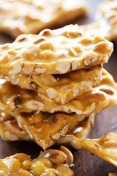 Add a bit of vanillaHomemade Peanut Brittle. This is an easy delicious homemade candy that makes a lot in one batch! If you love peanuts, you will love this candy! Homemade Peanut Brittle, Peanut Brittle Recipe, Brittle Recipes, Microwave Peanut Brittle, Candy Recipes, Holiday Recipes, Dessert Recipes, Nut Recipes, Copycat Recipes