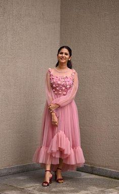 Long Gown Dress, Long Gowns, Prom Gowns, Long Dresses, Stylish Dresses, Maxi Dresses, Long Skirt Top Designs, Long Skirt And Top, Indian Cocktail Dress