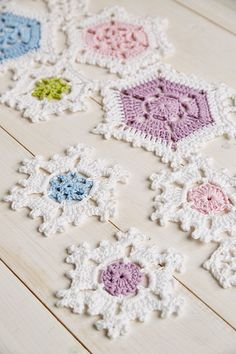 Snowflake table runner | crochet pattern