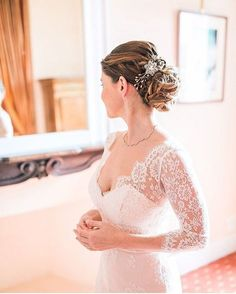 18 Wedding-Ready Buns, Knots and Chignon Updos for Every Type of Bride | Brides