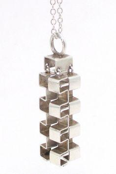 Elis Kauppi for Kupittaan Kulta Finland vintage Scandinavian Modernist silver kinetic pendant necklace