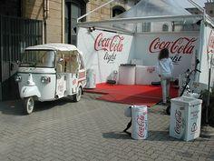 Ape Coca-Cola Light 5 Coca Cola History, Coca Cola Light, Piaggio Ape, Light In, Coke, Van, Vehicles, Collection, Garden