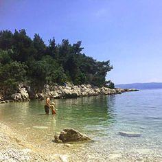 Einsame Bucht bei Rabac, herrlich zum Baden und Buddeln #istrienmitbaby #istrienmitkindern #kroatienmitkindern