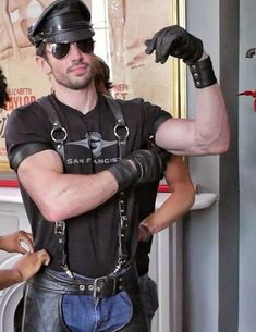 Biker Leather, Leather Gloves, Leather Men, Leather Suspenders, Tight Leather Pants, Hot Hunks, Men In Uniform, Sensual, Leather Fashion