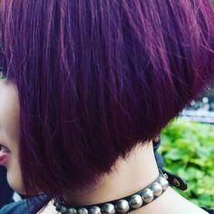 WEBSTA @ snaker_leather - hair ぶらうん @yuina5_13#hair #髪色 #髪色キレイ #赤紫 #紫 #ぱーぷる #ヴァイオレット #violet #マニックパニック #マニパニ #rock #ロック #cool #クール #目立つ #保存しておきたい #刈り上げ #刈り上げ女子 #映画 #movie🎥 #cinema #エキストラ #extra
