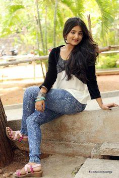 Ulka Gupta Actress Photos Stills Gallery Bollywood Actress Hot Photos, Indian Bollywood Actress, Beautiful Bollywood Actress, Indian Actresses, Beautiful Girl Indian, Most Beautiful Indian Actress, Beautiful Toes, Beauty Full Girl, Cute Beauty