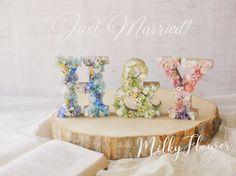 ウェディング イニシャルオブジェ*   ウェディング&フラワーリースのMilkyFlower* Diy Wedding, Wedding Photos, Wax Tablet, How To Preserve Flowers, Just Married, Dried Flowers, Diy And Crafts, Wedding Decorations, Place Card Holders