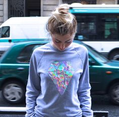 ElsaMuse: ✂ Els'applique ✂ DIY holographic sweatshirt.