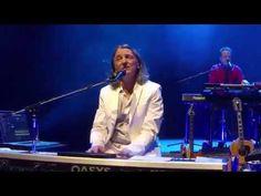Logical Song, Roger Hodgson 2016 Breakfast in America Tour (Roger left Supertramp in 1983) - YouTube