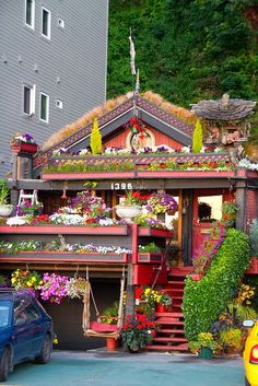 15 Strange and Unusual Homes you have never seen | Picture Store