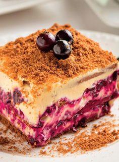 Prăjitură-cu-afine-confiate Cookie Desserts, Sweet Desserts, Sweet Recipes, Cake Recipes, Dessert Recipes, Romanian Desserts, Romanian Food, Homemade Sweets, Homemade Cakes