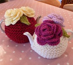 Red Chunky Rose Knit Tea Cosy by MarmaladeRose on Etsy, Tea Cosy Knitting Pattern, Knitting Patterns, Crochet Patterns, Scarf Patterns, Knitting Tutorials, Crochet Cozy, Crochet Geek, Crochet Granny, Hand Crochet