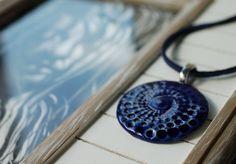 Keramikketten - Kette mit Keramik Anhänger in Dunkelblau - ein Designerstück von TonArts-Keramik bei DaWanda