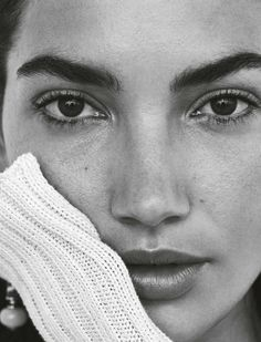 elle-italy-december-2016-lily-aldridge-by-matt-jones-8