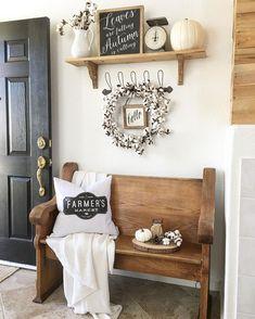 Rustic farmhouse entryway decorating ideas (1)