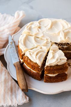 The Best Carrot Cake Recipe with Brown Butter Frosting - Backen: Kuchen / all about cake - Desserts - Dessert Recipes Food Cakes, Cupcake Cakes, Baking Cakes, Baking Recipes, Dessert Recipes, Delicious Cake Recipes, Frosting Recipes, Cake Frosting Recipe, Recipes Dinner