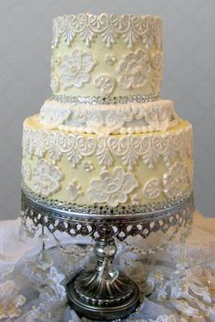 Yellow and Whie Lace Vintage Couture Wedding Cake Wedding Gowns, Lace Wedding, Dream Wedding, Beautiful Cakes, Amazing Cakes, Wedding Cake Inspiration, Wedding Ideas, Cupcake Cakes, Cupcakes